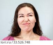 Неприязнь и недовольство на лице у взрослой женщины. Стоковое фото, фотограф Кекяляйнен Андрей / Фотобанк Лори