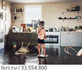 Купить «kids and flooding», фото № 33554800, снято 28 мая 2020 г. (c) Виктор Застольский / Фотобанк Лори