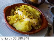 Купить «Cod steak baked with potato», фото № 33580848, снято 11 июля 2020 г. (c) Яков Филимонов / Фотобанк Лори
