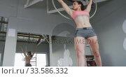 Купить «Caucasian woman doing pole dancing», видеоролик № 33586332, снято 18 сентября 2019 г. (c) Wavebreak Media / Фотобанк Лори