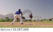 Купить «Baseball player running to a base during a match», видеоролик № 33587688, снято 25 ноября 2019 г. (c) Wavebreak Media / Фотобанк Лори