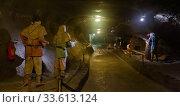Tunnel of Wieliczka salt mine with sculptures of miners. Редакционное фото, фотограф Яков Филимонов / Фотобанк Лори