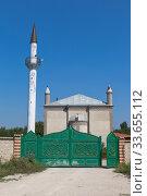 Мечеть Джамиси на улице Абабиль посёлка Зуя Белогорского района, Крым (2019 год). Стоковое фото, фотограф Николай Мухорин / Фотобанк Лори