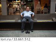 Купить «Singapore, Republic of Singapore, Safe Distancing Measures by taped areas of a bench», фото № 33661512, снято 2 апреля 2020 г. (c) Caro Photoagency / Фотобанк Лори