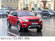 Купить «Range Rover Evoque», фото № 33681496, снято 3 июня 2012 г. (c) Art Konovalov / Фотобанк Лори