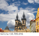 The gothic Church of Mother of God in front of Tyn in Old Town Square in Prague, Czech Republic. Стоковое фото, фотограф Владимир Журавлев / Фотобанк Лори