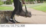 Купить «Side view man with prosthetic leg walking», видеоролик № 33712308, снято 13 февраля 2020 г. (c) Wavebreak Media / Фотобанк Лори
