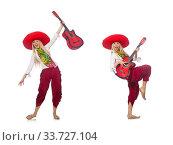 Купить «Woman wearing guitar with sombrero», фото № 33727104, снято 21 июля 2015 г. (c) Elnur / Фотобанк Лори