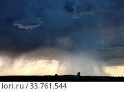 Купить «Prairie Storm Clouds Canada Saskatchewan Summer Warnings», фото № 33761544, снято 27 мая 2020 г. (c) age Fotostock / Фотобанк Лори