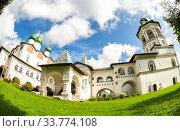 Купить «Nicolo-Vyazhishchsky monastery in Veliky Novgorod», фото № 33774108, снято 23 августа 2019 г. (c) FotograFF / Фотобанк Лори
