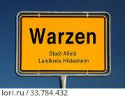 Ortseingangsschild von Warzen, Ortsteil der Stadt Alfeld (Leine), Landkreis Hildesheim, Niedersachsen, Deutschland, Europa. Стоковое фото, фотограф Zoonar.com/Stefan Ziese / age Fotostock / Фотобанк Лори