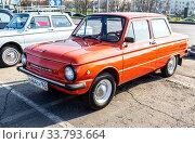 Купить «Vintage Soviet automobile ZAZ-968M parked up at the city street», фото № 33793664, снято 26 октября 2019 г. (c) FotograFF / Фотобанк Лори