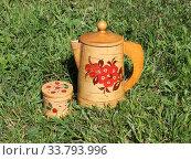 Купить «Русские традиционные сувениры: расписные изделия из бересты», фото № 33793996, снято 4 июня 2019 г. (c) Елена Орлова / Фотобанк Лори
