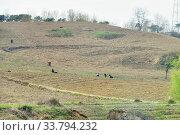 Купить «North Korea countryside landscape», фото № 33794232, снято 30 апреля 2019 г. (c) Знаменский Олег / Фотобанк Лори