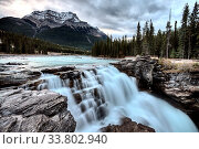 Купить «Athabasca Waterfall Alberta Canada river flow and blurred water», фото № 33802940, снято 11 июля 2020 г. (c) age Fotostock / Фотобанк Лори