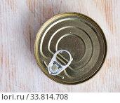 Silver tin can closeup. Стоковое фото, фотограф Яков Филимонов / Фотобанк Лори