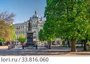 Купить «Cathedral Square in Odessa, Ukraine», фото № 33816060, снято 28 апреля 2020 г. (c) Sergii Zarev / Фотобанк Лори
