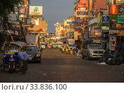 Купить «BANGKOK, THAILAND - DECEMBER 29, 2018: Morning Khao San Rd», фото № 33836100, снято 29 декабря 2018 г. (c) Виктор Карасев / Фотобанк Лори