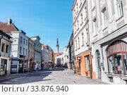Купить «empty street of Tallinn city old town», фото № 33876940, снято 8 апреля 2020 г. (c) Syda Productions / Фотобанк Лори
