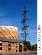 Houses, Gasholder, Pylon, Stratford, Newham, London, England. Стоковое фото, фотограф Alex Bartel / age Fotostock / Фотобанк Лори