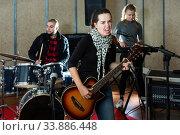Repetition of music garage band. Стоковое фото, фотограф Яков Филимонов / Фотобанк Лори