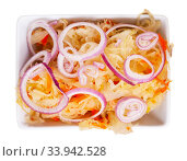 Sauerkraut with carrots and onion in plate on the table. Стоковое фото, фотограф Яков Филимонов / Фотобанк Лори