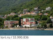 View of the typical town in Kotor Bay, Montenegro (2019 год). Стоковое фото, фотограф Володина Ольга / Фотобанк Лори