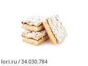 Купить «Victoria sponge cake with cream and jam filling. Yogurt Cake Dusted with Icing Sugar», фото № 34030784, снято 22 мая 2018 г. (c) Nataliia Zhekova / Фотобанк Лори