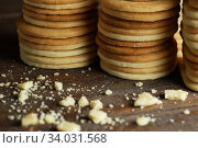 Купить «Biscuit with Danish style butter cookies and honey flavored. A stack of crunchy delicious sweet meal and useful cracker.», фото № 34031568, снято 7 февраля 2019 г. (c) Nataliia Zhekova / Фотобанк Лори