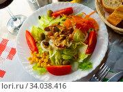 Купить «Salad with goat cheese and fresh vegetables», фото № 34038416, снято 14 июня 2019 г. (c) Яков Филимонов / Фотобанк Лори
