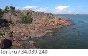 Купить «Солнечный июльский день на полуострове Ханко. Финляндия», видеоролик № 34039240, снято 14 июля 2018 г. (c) Виктор Карасев / Фотобанк Лори