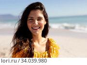 Купить «Caucasian woman standing on the beach», фото № 34039980, снято 25 февраля 2020 г. (c) Wavebreak Media / Фотобанк Лори