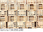 Bunch of empty wooden boxes stack at each other. Storage concept. Стоковое фото, фотограф Zoonar.com/Przemyslaw Iciak / easy Fotostock / Фотобанк Лори