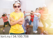 Купить «Kids training hip hop in dance studio», фото № 34100708, снято 30 июня 2020 г. (c) Яков Филимонов / Фотобанк Лори