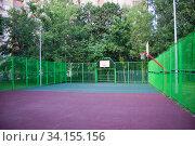 Спортивная площадка во дворе. Стоковое фото, фотограф Victoria Demidova / Фотобанк Лори