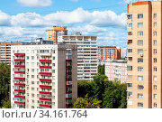 Residential district in Moscow city in sunny summer day. Стоковое фото, фотограф Zoonar.com/Valery Voennyy / easy Fotostock / Фотобанк Лори
