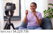 female beauty blogger with camera and mascara. Стоковое видео, видеограф Syda Productions / Фотобанк Лори