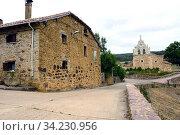Verdeña, town and church. Montaña Palentina, La Pernia, Palencia province, Castilla y Leon, Spain. Стоковое фото, фотограф J M Barres / age Fotostock / Фотобанк Лори