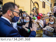 Italian Minister of Justice Alfonso Bonafede meets demonstrators during the sit-in in front of Montecitorio Palace in Rome to ask for justice for Chico Forti ,Rome,ITALY-16-07-2020. Редакционное фото, фотограф Alessandro Serrano' / AGF/Alessandro Serrano' / / age Fotostock / Фотобанк Лори