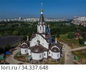 Москва, строительство храма Константина и Елены в Митине (2020 год). Редакционное фото, фотограф glokaya_kuzdra / Фотобанк Лори