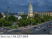 Москва, Ново-Спасский монастырь и Крестьянская площадь, вид сверху. Редакционное фото, фотограф glokaya_kuzdra / Фотобанк Лори
