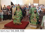 Свято-Духов храм села Шкинь, литургия. Редакционное фото, фотограф Дмитрий Неумоин / Фотобанк Лори