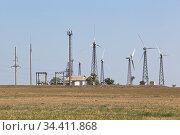 Ветряная электростанция в Сакском районе Крыма, Россия. Стоковое фото, фотограф Николай Мухорин / Фотобанк Лори