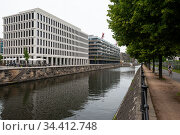 Berlin, Germany, new buildings in Europacity Am Hamburger Bahnhof in Moabit (2019 год). Редакционное фото, агентство Caro Photoagency / Фотобанк Лори