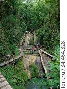 33 водопада  - туристическая достопримечательность города Сочи. Редакционное фото, фотограф Инна Грязнова / Фотобанк Лори