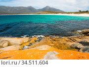 A beach in a remote part of the Freycinet Peninsula in Tasmania, Australia... Стоковое фото, фотограф Zoonar.com/Chris Putnam / easy Fotostock / Фотобанк Лори