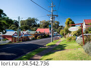 Main street of Central Tilba in its idyllic setting near Narooma in... Стоковое фото, фотограф Zoonar.com/Chris Putnam / easy Fotostock / Фотобанк Лори