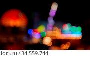 Unscharfe bunte Bokeh Lichter auf Kirmes oder Jahrmarkt als abstrakter... Стоковое фото, фотограф Zoonar.com/Robert Kneschke / age Fotostock / Фотобанк Лори