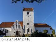 Die Kirche von Humble, Insel Langeland, Dänemark, Europa   umble ... Стоковое фото, фотограф Peter Schickert / age Fotostock / Фотобанк Лори