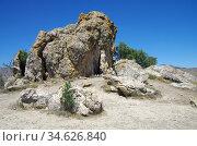 Огромный камень на мысе Меганом в Крыму. Стоковое фото, фотограф Natalya Sidorova / Фотобанк Лори